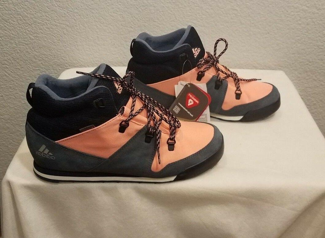 New Snowpitch Winter Boots, size 7/ size