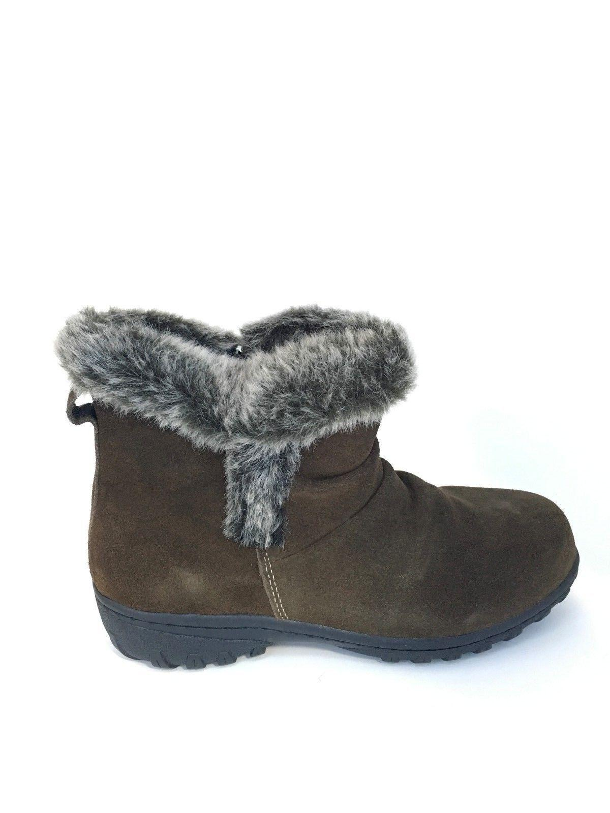 NEW - Lisa Winter Brown - Pick