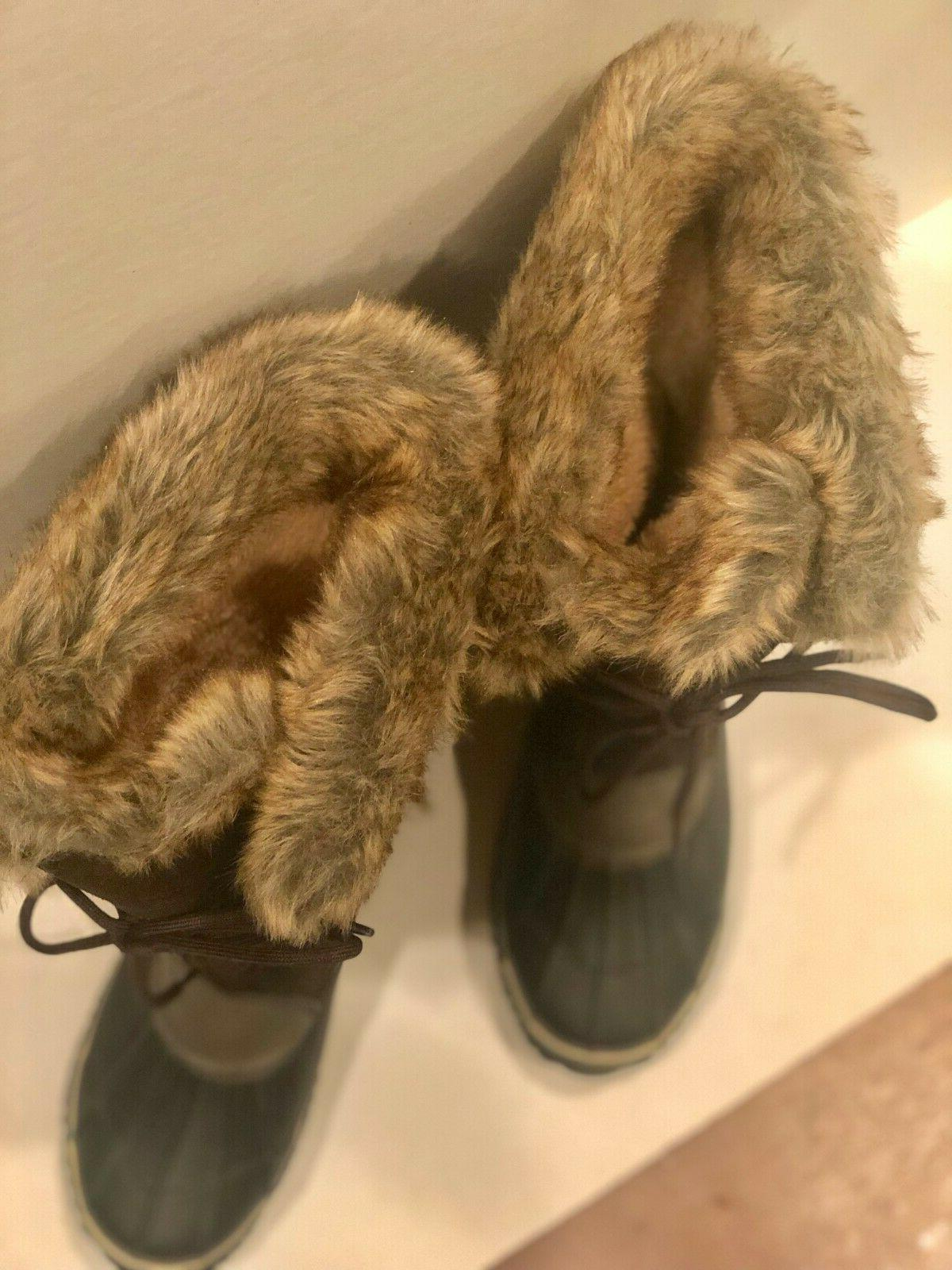Womans boot. Brown fur. the toe