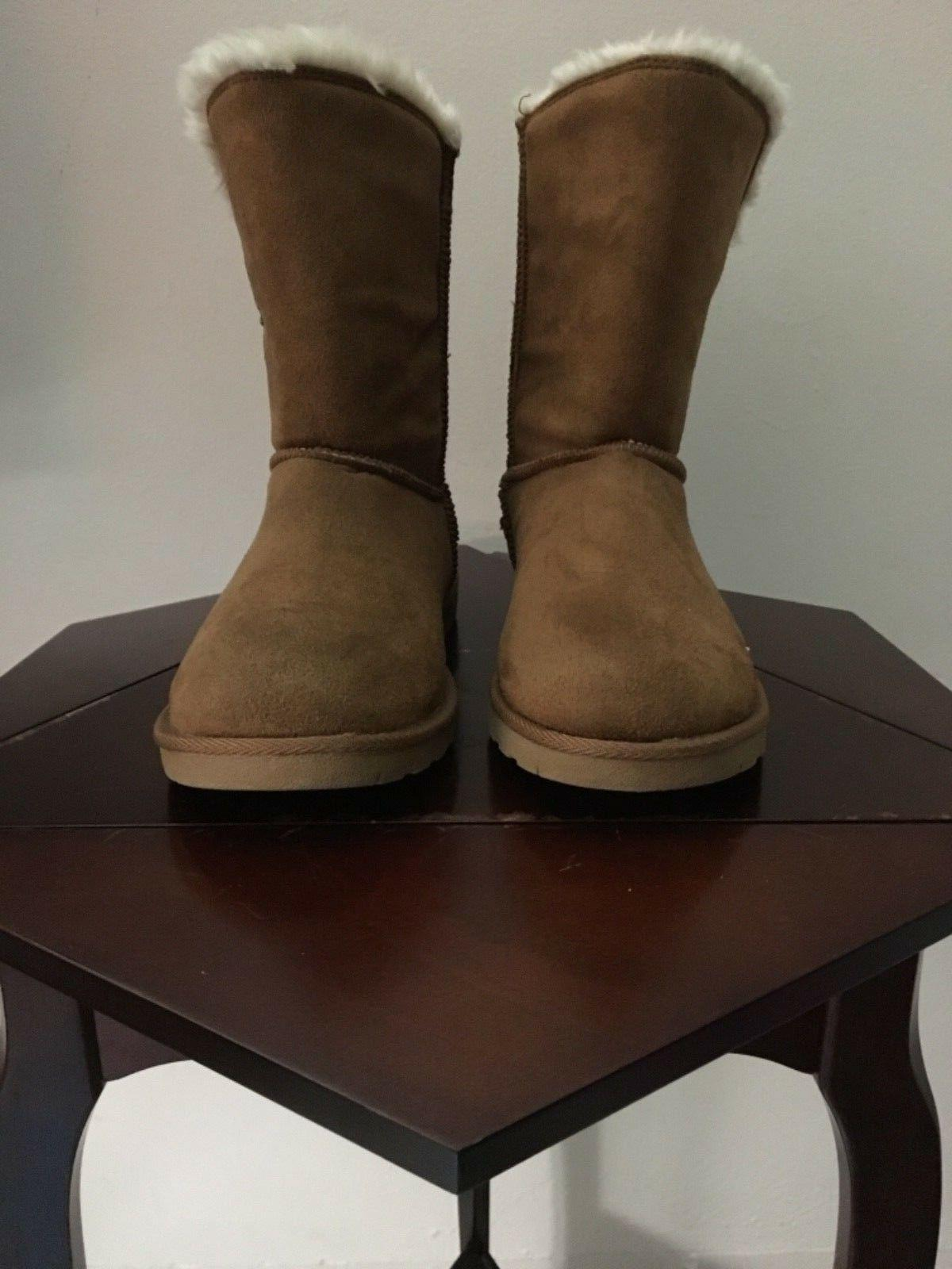 Women gorgeous boots color brown