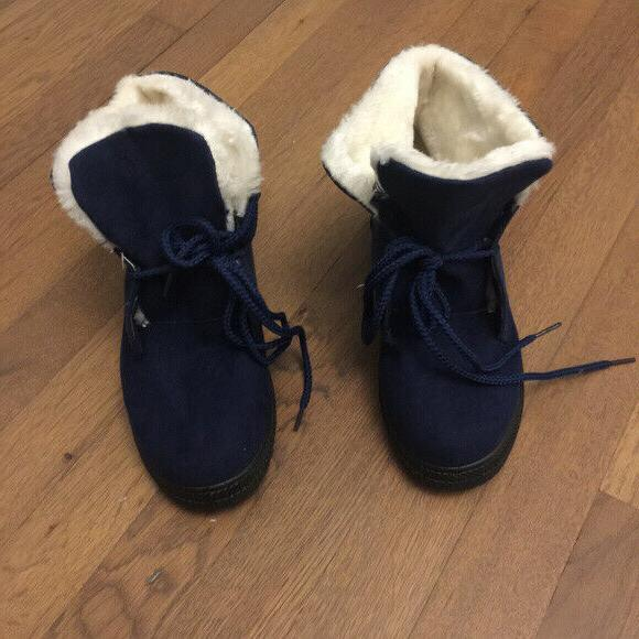 NEW Women's Lined Winter Snow Suede Size