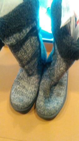 womens skechers winter boots size 10 new with tags